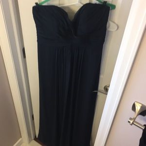 Dresses & Skirts - Formal bridesmaid or prom dress navy